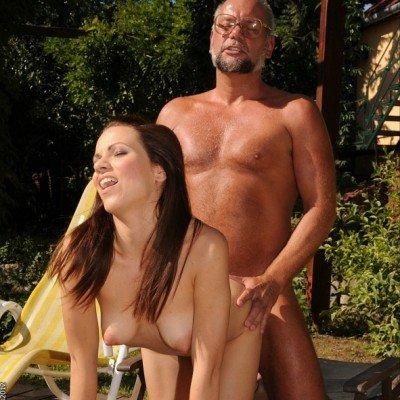 Mira és Attila papa szex-napoznak