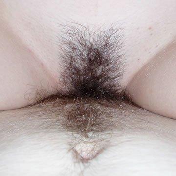 Elena - szexis fehérneműk és szőrös punci