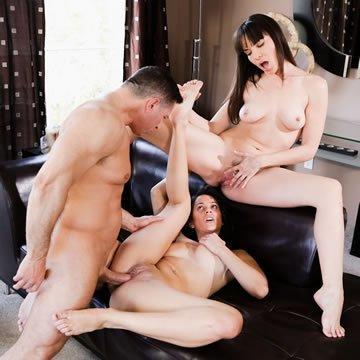 Tini és házaspár szex – Leilani Gold